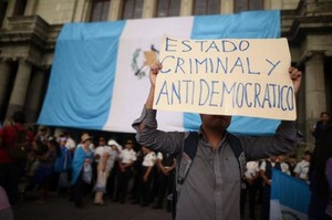 protesta contro l'allontanamento della Cicig