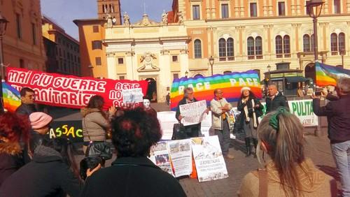 Antonella Napoli, giornalista dell'ufficio di presidenza di Articolo 21, intervenendo alla conferenza stampa  tenutasi a Roma il 27-02-2019 per denunciare cinque Ministri dell'attuale governo per traffico d'armi e strage.