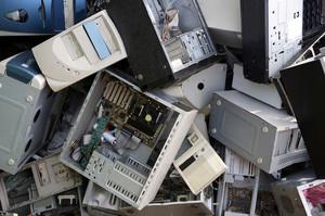 I vecchi computer possono generare un nuovo inquinamento mentre possono esser riutilizzati