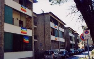 Le bandiere della nostra via (quartiere Isolotto di Firenze). Urbano e Paola