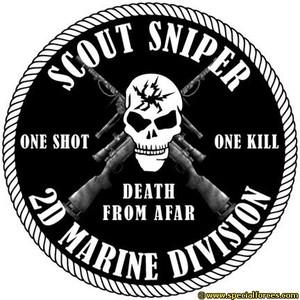 """""""Un colpo, un morto"""", si legge su questo simbolo dei marines che hanno esibito la bandiera con il simbolo delle SS in Afghanistan"""