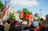 Parlamento tedesco: protesta contro la mozione anti-BDS