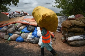 Deutscher Verpackungsmüll wird massenweise nach Asien exportiert. Weniger als zehn Prozent werden recycelt.