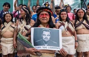 I nativi della Foresta Amazzonica ringraziano Leonardo DiCaprio per il suo impegno