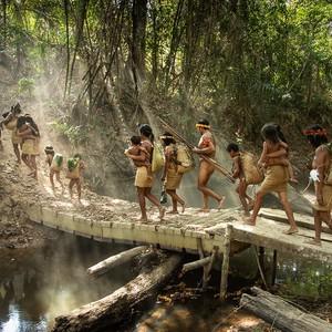 Indigeni della Foresta Amazzonica costretti a spostarsi