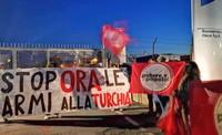 """Siria, blitz alla fabbrica di cannoni Rheinmetall di Roma: """"No alle armi per la Turchia!"""""""