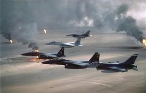 Combattenti dell'aeronautica americana durante la Guerra del Golfo del 1991