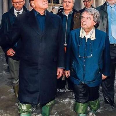Venezia affonda nell'acqua alta: l'alta marea non è una conseguenza dei cambiamenti climatici, bensì del fallimento della politica italiana.
