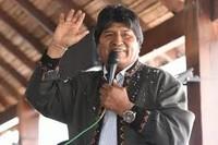 Bolivia: dall'Argentina Morales chiama alla resistenza