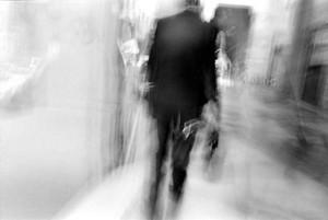 Uomo di spalle, fotografia di Davide Nesti