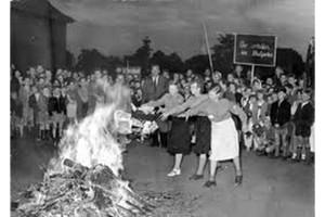 Rogo di libri durante il nazismo