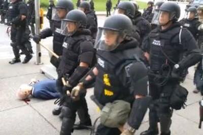 Poliziotti americani violenti. Quello che c'è di nuovo è che nell'era digitale odierna queste violenze sono più visibili.