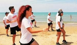 Ballando Jerusalema in spiaggia