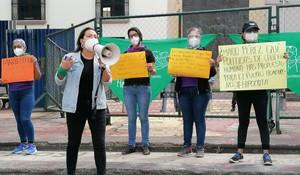 Protesta davanti al parlamento (Foto Las Chonas)