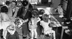 """Maria Montessori """"Educazione come arma della Pace"""" su Rivista.eco - organo ufficiale della rete mondiale di educazione all'ambiente diretta dal Professor Mario Salomone"""