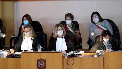 """Taranto, processo """"Ambiente svenduto"""". Il dibattimento è iniziato nel 2015"""