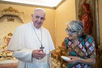 Chiara Castellani incontra Papa Francesco