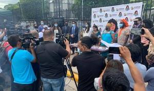 Conferenza stampa dopo la sentenza (Foto Copinh)