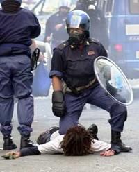 Vent'anni fa Genova, una ferita alla democrazia