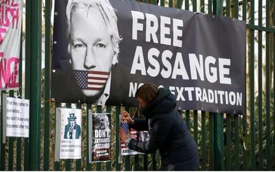 Manifestazione contro l'estradizione in USA di Assange