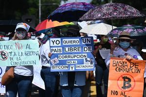 Proteste contro Bukele (Foto Verdad Digital)