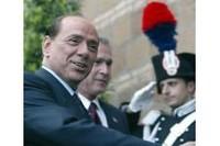 """""""Caro Silvio, avrei bisogno di Napoli, Taranto, Milano, e anche...""""."""