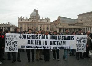 Manifestazione in Piazza San Pietro il giorno di Pasqua