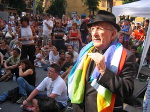 Genova, 20 luglio 2004, piazza Alimonda. Don Andrea Gallo, animatore della comunita' di San Benedetto al Porto.