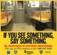 """USA : """"Se Vedete Qualcosa, Dite Qualcosa"""" la Paranoia viaggia sulla metropolitana"""