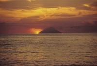 La Sicilia vota lo scempio delle Eolie
