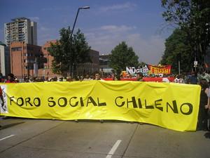 Foro Sociale Cileno: Striscione di apertura del corteo