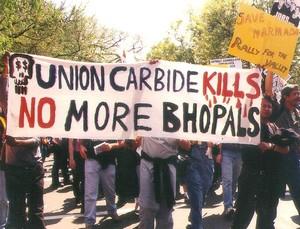 manifestazione contro Union Carbide