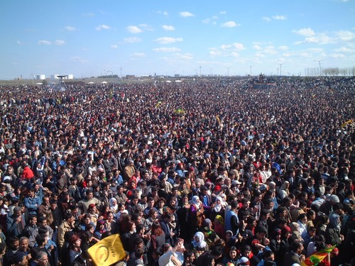 Si dice 300.000, altri dicono 500.000, in ogni caso una marea di gente...