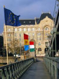 UE: L'Ungheria ratifica la costituzione europea
