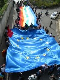 """Rilanciare la campagna """"L'Europa ripudia la guerra"""". Appoggiare il Trattato costituzionale europeo"""