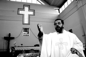 P.Giorgio Poletti mentre celebra la Messa