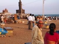 la statua dedicata a Thiruvallar