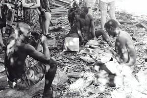 Artigiani del legno. Nosy Kumba (Isola delle Scimmie)
