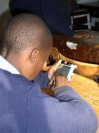Kenya, a scuola con Linux ed ebook