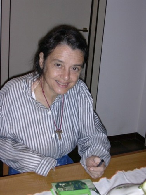 """Chiara Castellani nel 1992 ha perso un braccio in un grave incidente automobilistico. La Land Rover sbanda e si rovescia. """"Avevamo paura di incontare i gendarmi come all'andata"""", racconta."""