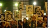 mnaifestazione di parenti di dasaparecidos a Montevideo