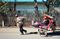 il pous-pous: il taxi a uomo