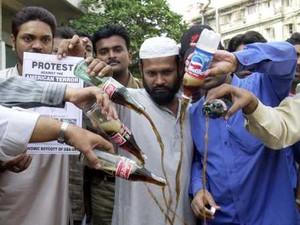 proteste contro la Coca cola