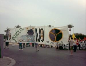 """Sul Lungomare di Taranto: """"No alla guerra, no al nucleare"""""""