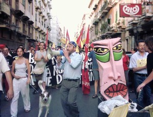 Un momento della manifestazione, animata dall'instancabile Giovanni Guarino (con il megafono)