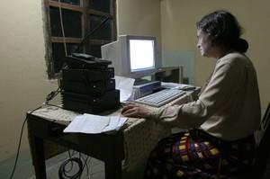Chiara Castellani al computer