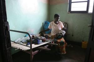 Ospedale di Kimbau, reparto pediatria.