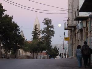 Luna piena sopra Betlemme
