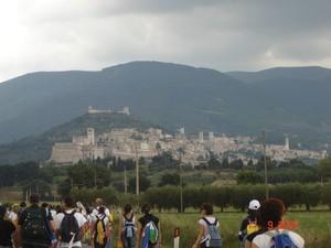 Stiamo arrivando ad Assisi e ad attenderci c'è un terribile temporale...