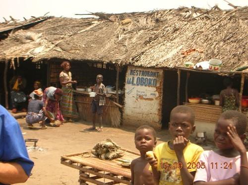 Ristorantino sulla strada per Kinshasa ossia Autogrill